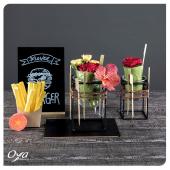 Totalement végétal, le green wrap est une petite composition de roses et de vanda que vous allez adorer dévorer des yeux. . . . #greenwrap #flowerburger #flowers #florist #flowerstagram #flowershop #instafleurs #collections #oya #oyafleurs