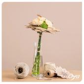 Laissez-vous séduire par ce pliage fleuri généreux : des œillets entremêlés d'un papier délicatement plié. Retrouvez le bouquet pliage fleuri en boutique ou sur notre site internet oya-fleurs.com . . . #bouquet#flowers #florist #flowerstagram #flowershop #instafleurs #collections #artfloral #flowerpower #oya #oyafleurs