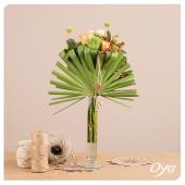 Pliage végétal et assemblage fleuri, laissez-vous surprendre par notre origami végétal, à retrouver sur notre site internet ou en boutique près de chez vous. . . . #eshop #plaige #origami #bouquet#collectionflorale #savoirfaire #artfloral #flowers #oya #oyafleurs