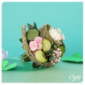 Plus que quelques jours pour profiter de la collection NYMPHEAS ! Les bouquets ronds, de fleurs de saison, prennent des teintes pastels pour apporter bonheur et douceur. . . . #collectionflorale #nympheas #savoirfaire #bouquet #fleursdesaison  #flowers #flowerstagram #flowershop #instafleurs #floweroftheday #oya #oyafleurs