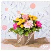 Nous voilà repartis pour un nouveau Printemps à la maison ! Faites entrer le soleil et la bonne humeur dans votre intérieur avec un beau bouquet de fleurs colorées. . . . #oya #oyafleurs #flowerpower #flowerstagram #collectionflorale #flowers #fleuriste