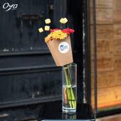 Le nouvel INCROYABLE est arrivé ! 🍿 Le mois dernier Mauricette des boutiques angevines vous présentait le kit de plantes pour le travail. Ce mois-ci, c'est Juliette de la boutique Oya Fleurs de Guebwiller en Alsace qui vous propose LE BOUQUET POP-CORN ! Mettez du végétal et de l'originalité à vos soirées ciné ! 🎬 Faites vite le bouquet pop-corn est en exclusivité et en quantité limitée jusqu'au 24 octobre dans votre boutique Oya préférée !. . . #incroyable #artisanfleursite #popcorn #germini #cinema #savoirfaire #florist #flowerstagram #instafleurs #flowershop #flowers #oya #oyafleurs #flowerpower #commercedeproximite