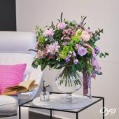 Fragrance légère est un bouquet rond généreux de pivoines, de roses, de lys,… dans un esprit romantique chic ! . . . #peony #pivoine #lys #roses#flowers #florist #flowerstagram #flowershop #instafleurs #floweroftheday #oya #oyafleurs #artfloral