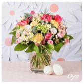 Fleur'ettes est un généreux bouquet rond printanier de fleurs de saison. La tulipe, la renoncule,... se mélangent avec les petites camomilles. A offrir ou s'offrir pour un week-end coloré ! . . . #bouquetrond #artfloral #bouquet #fleuristes #flowers #florist #instafleurs #flowershop #floweroftheday #savoirfaire #oya #oyafleurs